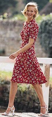 Den røde gennemknappede kjole